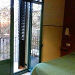 Номер с балконом - вид на пл. St. Josep Oriol