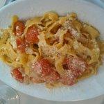Pasta with tomato & bacon