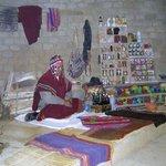 Le chaman  Kallawaya dans son laboratoire.