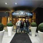 Ingreso al Hilton Vienna