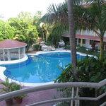 Photo de Hotel y Suites Bugambilias