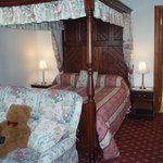 Four-poster room