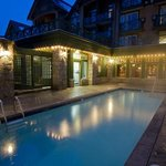 Outdoor heated pool & hot tub