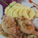 Calamares Rellenos de Mariscos en Salsa de Vino Blanco