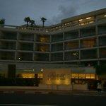 l'ingresso dell'hotel