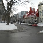 La rue Ste-Anne où se trouve l'auberge