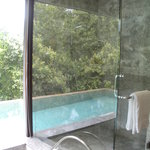 One Bedroom Garden villa Shower area