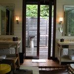 One Bedroom Garden villa Bathroom