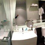 Bathroom (Rm. 2107)