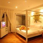 Secret Lover Mini Suite interior