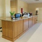 Photo de Baymont Inn & Suites Crystal City
