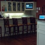 Bar area.... Again, CLEAN!