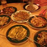 Mains including Singapore Coconut Curry, Cantonese Sweet & Sour Chicken, Beef