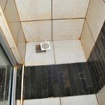 The shower recess - can do with a bit of a unblocking