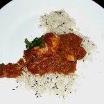 Chicken Gujarati style. 1 leg + breast chunks.