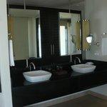 salle de bain dans notre chambre