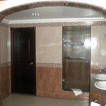 Suite 1161 bathroom