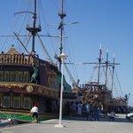escursão barco pirata