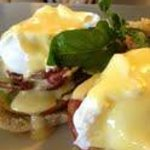Heirloom tomato eggs benedict