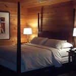 Four post bed Big Sur Spa Suite Rm 54