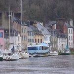 port Launay.