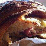 jambon & fromage croissant closeup