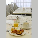 FRQh Centredelmon Breakfast Bd