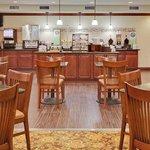 CountryInn&Suites PortOrange/Daytona BreakfastRoom