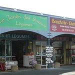 artisanal gourmet stores 3-5km from b/b