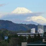 フロントから見た富士山(露天風呂もこの向き)