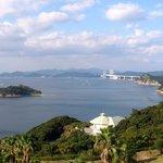 鳴門海峡を望む風景(エレベーターホールから)