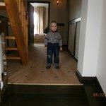 Антоша в холле