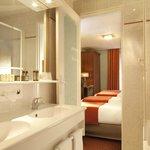 Salle de bain chambre quadruple
