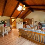 Hale Moana Hawaii Bed & Breakfast - Lanai Suite