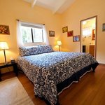Hale Moana Hawaii Bed & Breakfast - Garden Suite