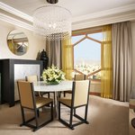 Grand Executive Suite - Dinning Area