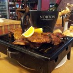 Mini-grill servi à la table : notre chevreau