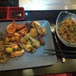 Assiette de la mer et riz au corail de homard