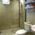 Baño de la habitación 6
