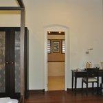 chambre et accès salle de bains