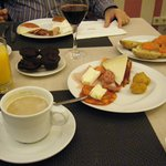 Ellos dicen en su carta que hay que desayunar como un rey