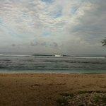 le lagon devant l'hotel en plein cyclone Felleng