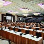Al Jiwar ballroom can host up to 2000 people.