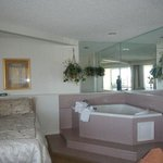 Jacuzzi Room 24