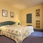Triple Room Hotel du Pré