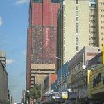 Uma das avenidas de Johannesburg SA