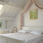 Chambre Lilas : lit king-size