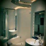 La salle de bain d'une chambre du 7ème étage