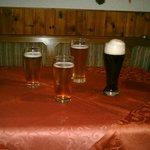 Tisch im Aufenthaltsraum mit lokalen Spezialitäten :-)