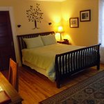 Marigold room, queen size bed